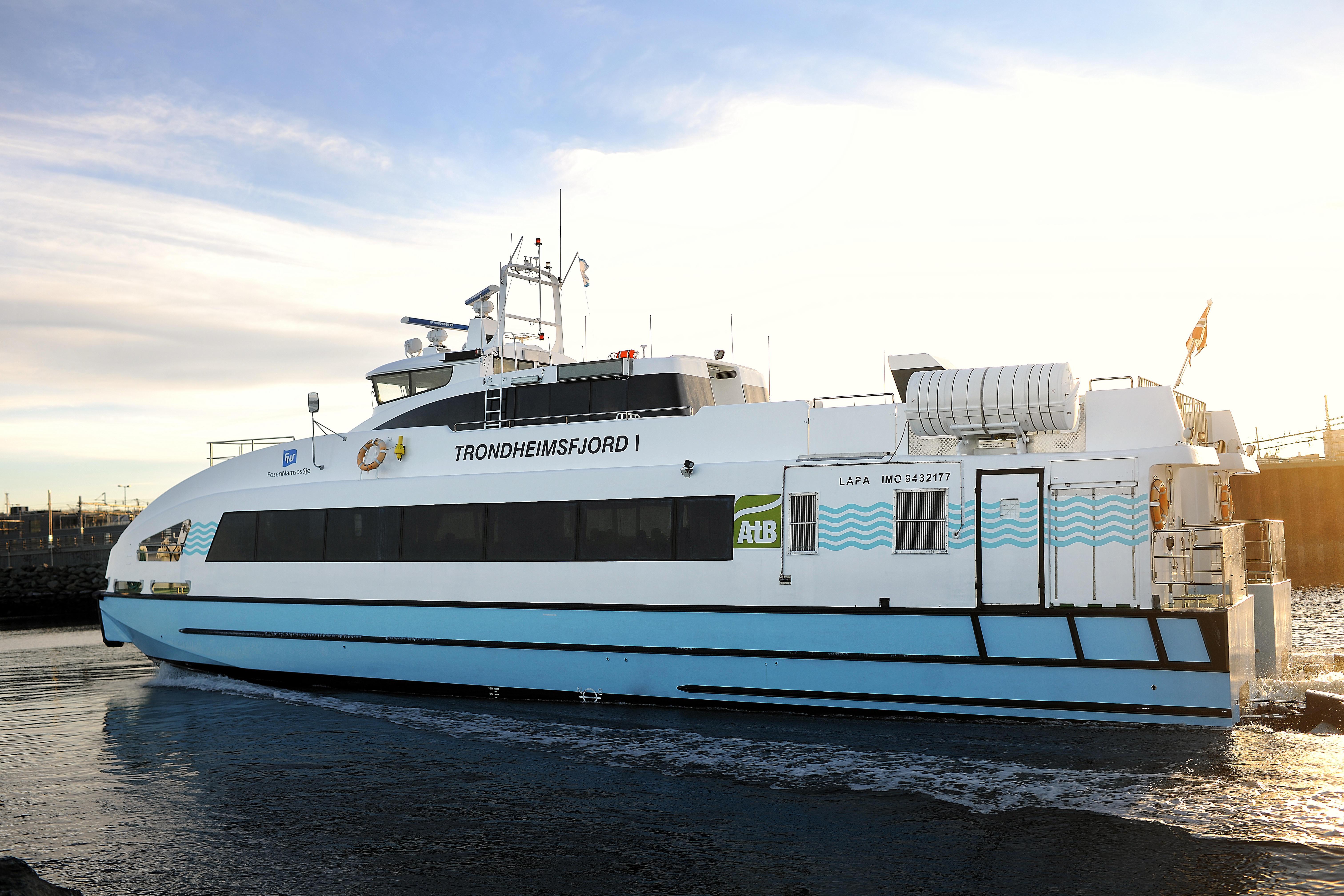Om bord i buss, trikk og båt